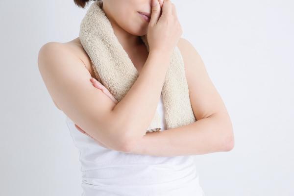 市販の制汗剤は脇汗に効かない